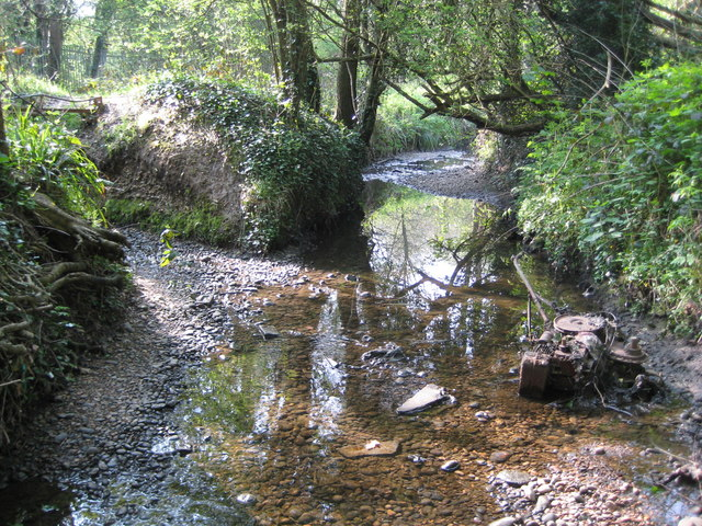 Hartsbourne Stream | © Copyright Nigel Cox and licensed for reuse under this Creative Commons Licence