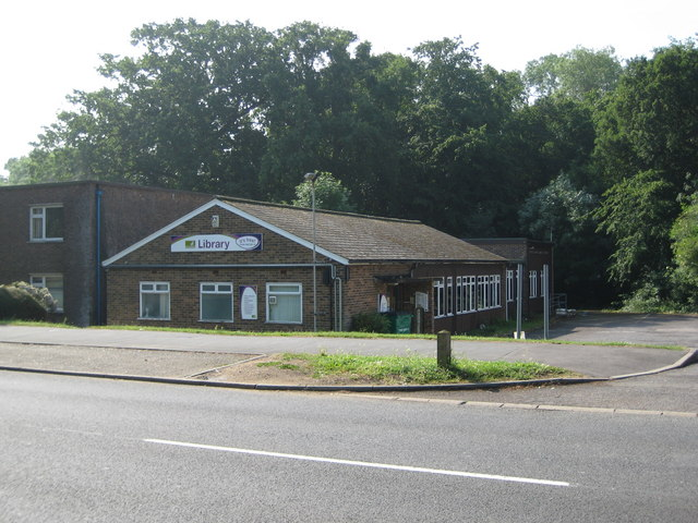 South Oxhey Library | © Copyright Nigel Cox and licensed for reuse under this Creative Commons Licence