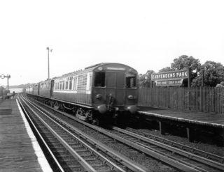 Watford Junction to Euston train circa 1925 | courtesy of the National Railway Museum - York, imag.e No. 1691/85