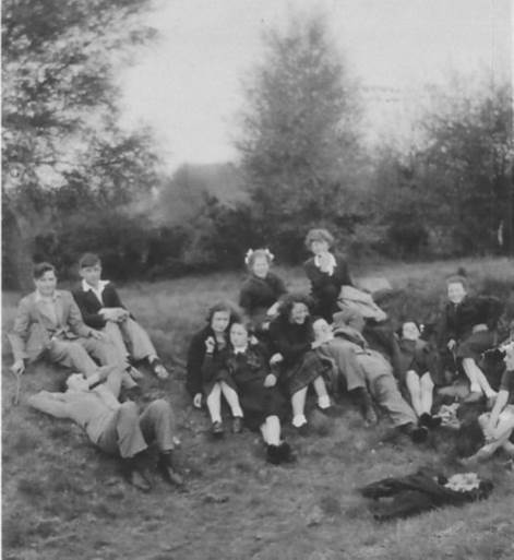 Discussion Group hike 1951 | Jill Ibbott