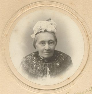 Edith's mother