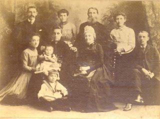 Ediths family | copyright Virginia Barber