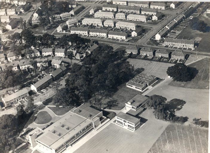 Aerial view of Clarendon School 1953 and part of surrounding area | West Herts Post - Watford Library P10715