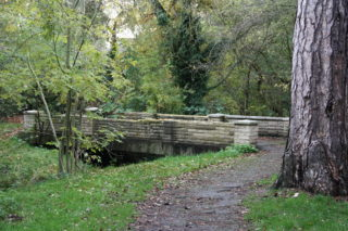 Carpenders Park cemetery walk
