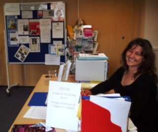 Volunteer at ASCEND's reception | by Beverley Small