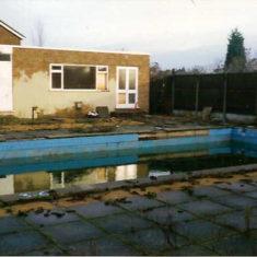 Swimming pool | Neil Namilton