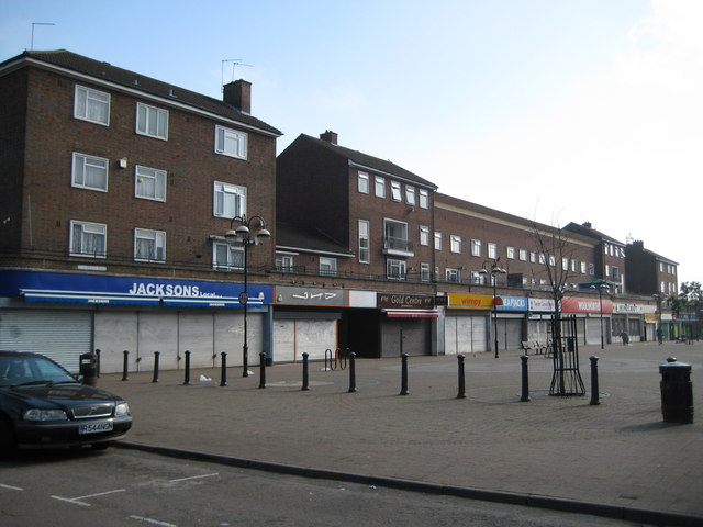 St Andrew's Road | Copyright Nigel Cox and licensed for reuse under this Creative Commons Licence