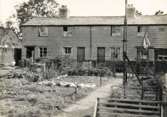 Cottages and gardens | Watford Library, P101726