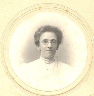 Edith Morgan as a young woman