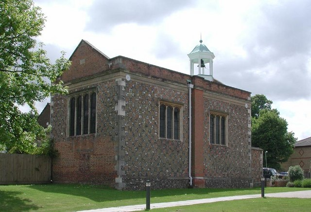 Oxhey Chapel | © Copyright John Salmon and licensed for reuse under this Creative Commons Licence.
