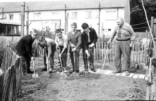 Gardening Lessons | © Watford Observer 1962